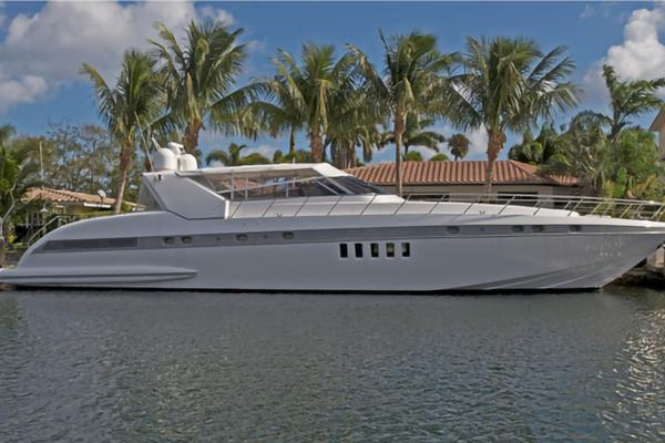 Mangusta Overmarine Express Cruiser