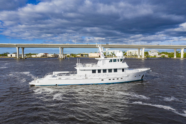 2018GlassTech 96 ft Expedition Yacht   Reset