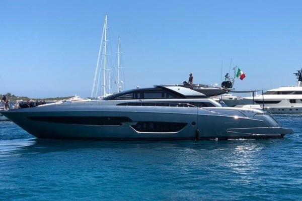 88-ft-Riva-2016-Domino-   Italy  yacht for sale