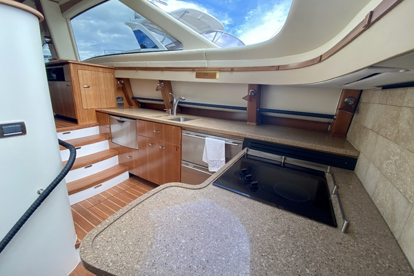 2009 Tiara 5800 Sovran  Eventus  Cockpit