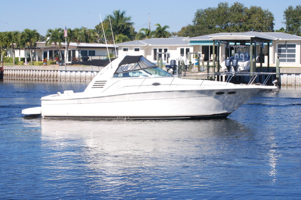 33' Sea Ray 33 Express Cruiser 1997 | Four C's