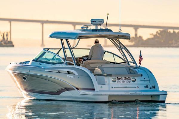 35-ft-Formula-2015-350 Crossover Bowrider-Isola Bella San Diego Washington United States  yacht for sale