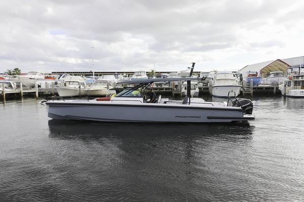 37-ft-Axopar-2021-37 Sun Top Revolution- Fort Lauderdale Florida United States  yacht for sale