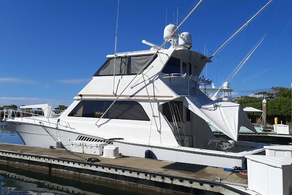 58' Viking Convertible Enclosed Bridge 1997 | Chaser