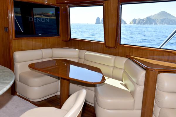 2008 Viking 74 Convertible  Picu2  Salon