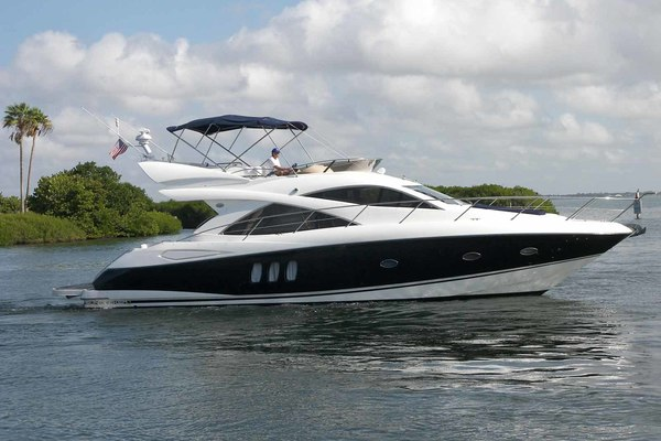 50' Sunseeker Manhattan 2006 | Young Girl