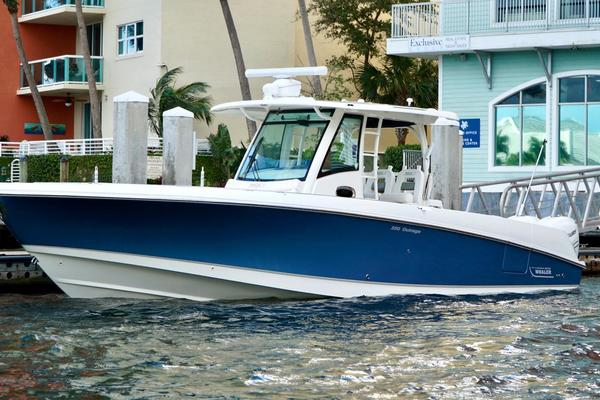 35-ft-Boston Whaler-2015--OUR RETREAT West Palm Beach Florida United States  yacht for sale