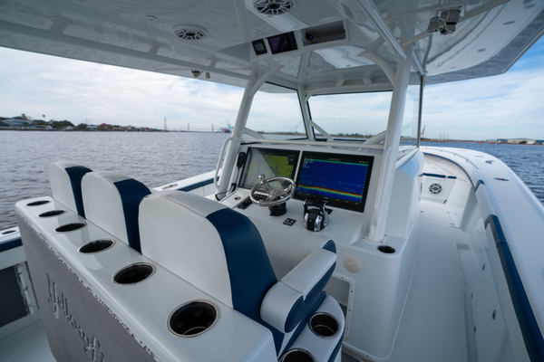 2020 Yellowfin 42 Offshore Helm