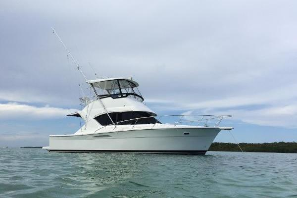 37' Wellcraft 350 Flybridge  2003 | Pura Vida