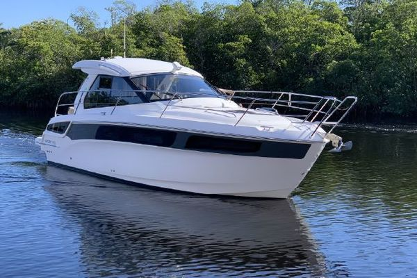 36-ft-Bavaria-2016-SPORT 360 COUPE- Cape Coral  Florida United States  yacht for sale
