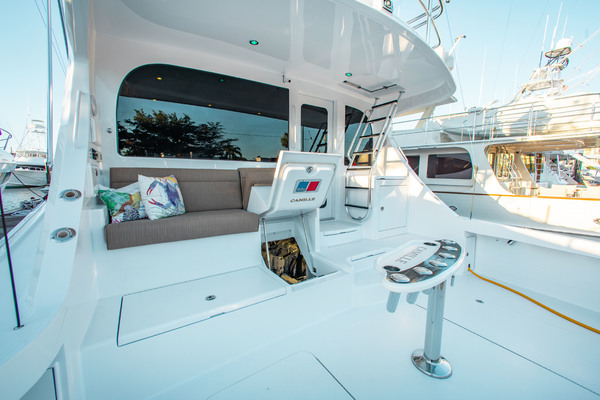 2012 63 GT Hatteras  Camille  Salon