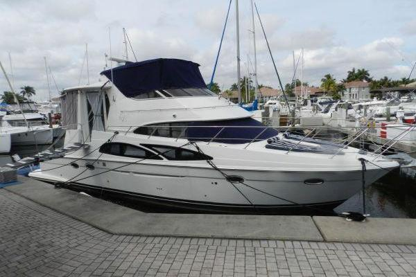44-ft-Carver-2006-44 Cockpit Motor Yacht-ROXY Fort Lauderdale Florida United States  yacht for sale
