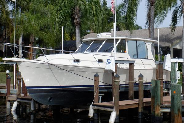 34-ft-Mainship-2007-34 Pilot Sedan-No Agenda Cape Coral Florida United States  yacht for sale