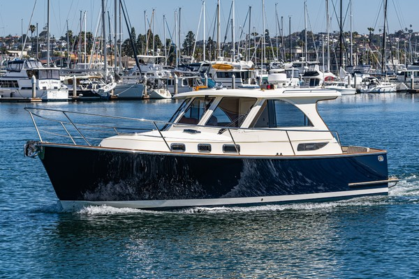Picture Of: 32' Legacy Express 32 2007 Yacht For Sale | 3 of 37
