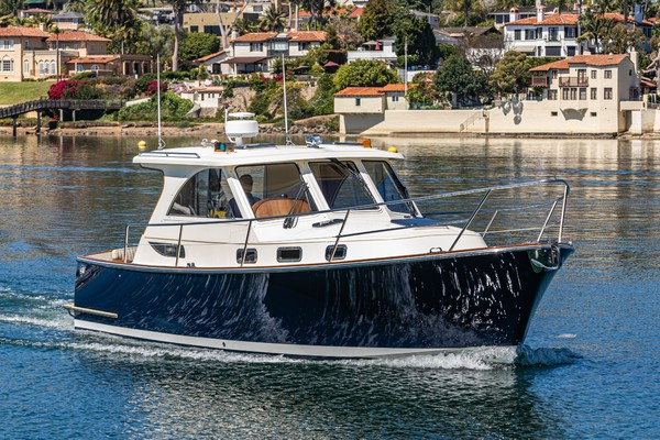 Picture Of: 32' Legacy Express 32 2007 Yacht For Sale | 4 of 37