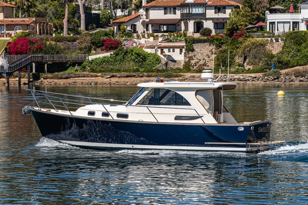 Picture Of: 32' Legacy Express 32 2007 Yacht For Sale | 2 of 37