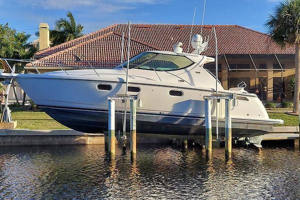 39' Tiara Yachts 39 Sovran 2007 | Why Knot