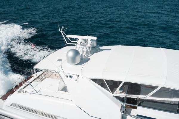 2002Mangusta 80 ft 80 Open   MOVING FORWARD