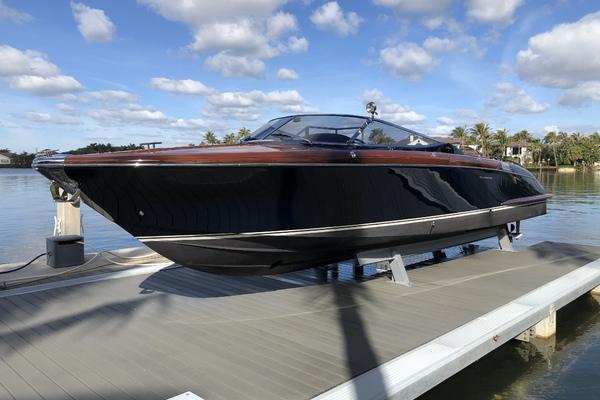 33-ft-Riva-2015-Aquariva-Sarah Palm Beach Florida United States  yacht for sale