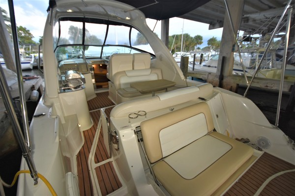 2012Sea Ray 33 ft  330 Sundancer   Amnesia
