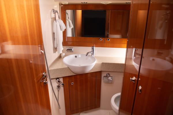 2008 Riviera 58 Convertible  Salon