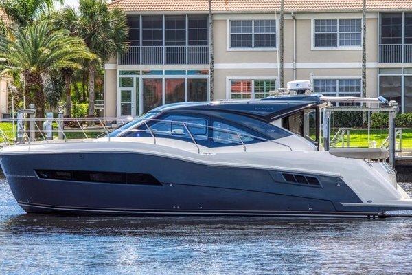 37' Carver 37 Coupe 2019 | Glass Seas Ii