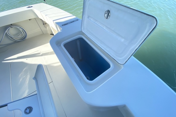 1990 Viking 53 Convertible  Fit For Duty  Salon