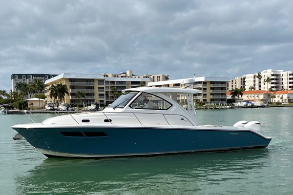 37' Pursuit 355 Offshore 2000 | Dun Doc'n
