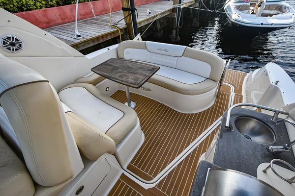 2013Sea Ray 33 ft 330 Sundancer   Sea E O Ready