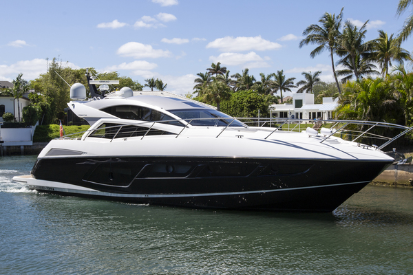 57' Sunseeker Predator 2016 | Top Shelf