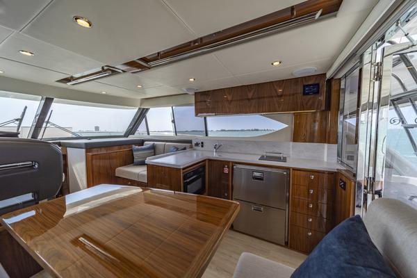 2021Riviera 39 ft Open Flybridge