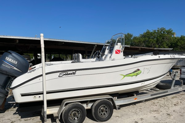 2002 Seaswirl 2301 Striper