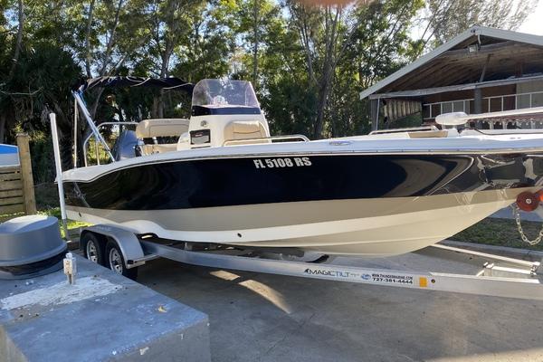 2018 NauticStar 231 Angler
