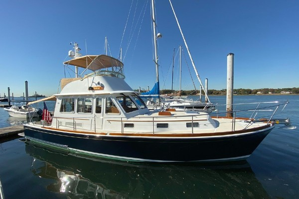 43' Grand Banks Eastbay 43 Fb 2003 | Lookout