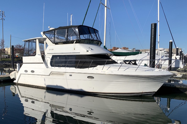 42' Carver 406 My 2001 | One Moor Time