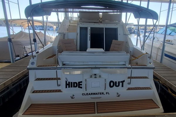 38' Carver 380 Santego Se 1995 | The Hide Out