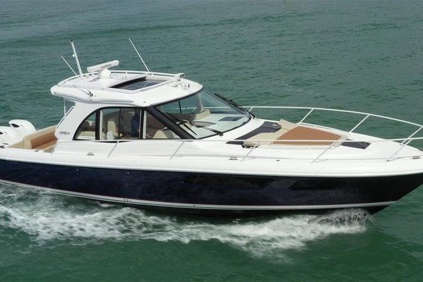 41-ft-Intrepid-2019-410 Evolution-Westway Sarasota Florida United States  yacht for sale