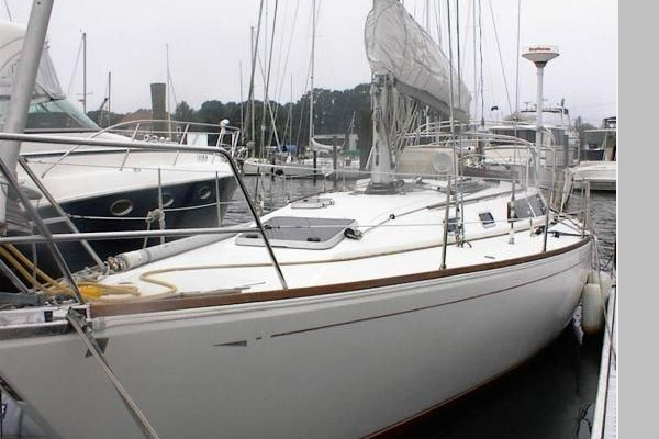 39-ft-CAL-1988-39-Victoria Marie Warwick Rhode Island United States  yacht for sale