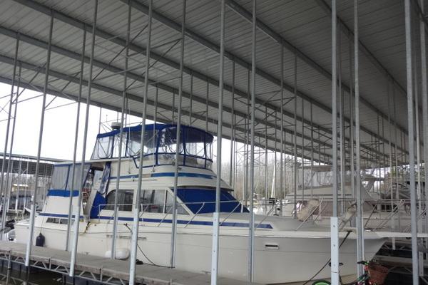 48' Chris-craft Yacht Fisherman 1986   Crews Control