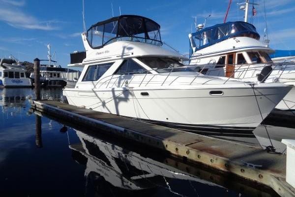 39-ft-Bayliner-1995-3988-Priority Won Anacorts Washington United States  yacht for sale