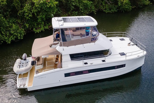 37-ft-Fountaine Pajot-2017--CATATUDE Jupiter Florida United States  yacht for sale