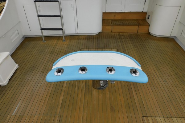 1984Buddy Davis 61 ft Convertible   Blue Eyed Girl