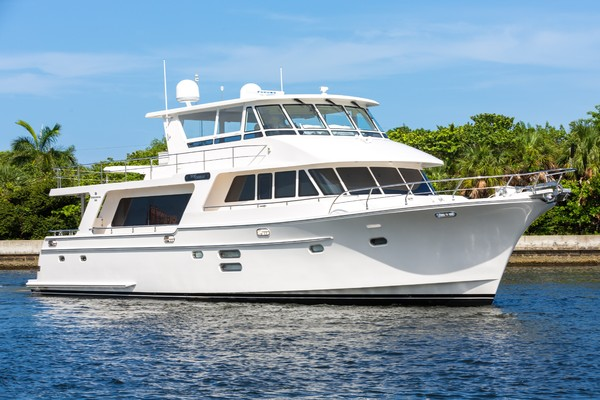 Picture Of: 68' Hampton Endurance 2017 Yacht For Sale | 1 of 47