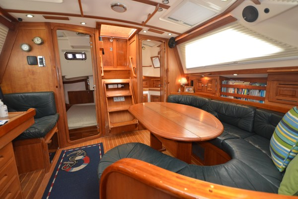 WHATS KNOT TO LOVE 44ft Tartan Yacht For Sale