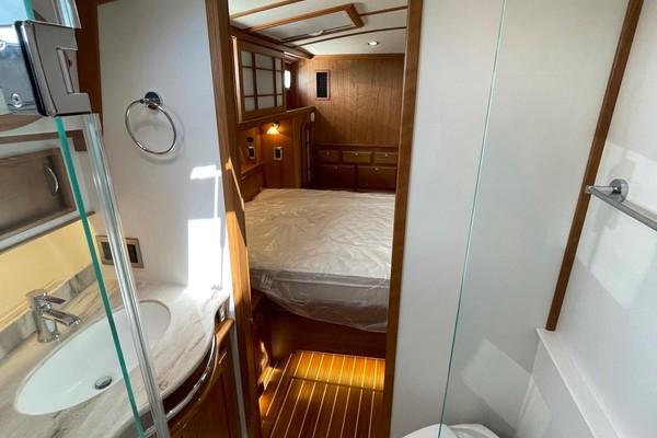 2021Sabre 48 ft Salon Express