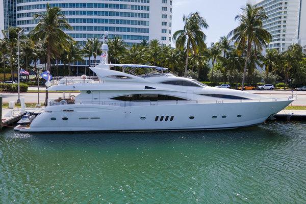 105' Sunseeker  Yacht 2002