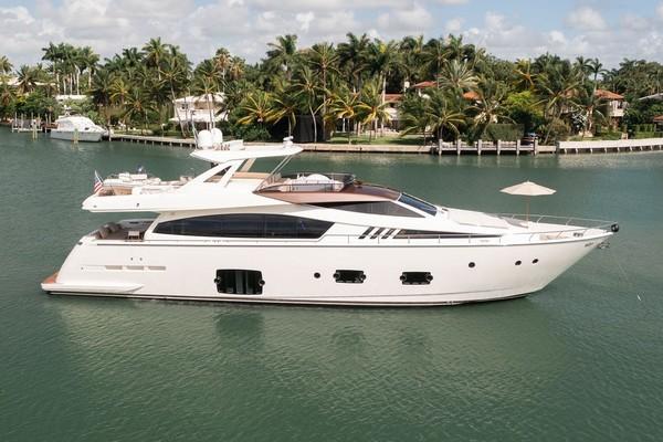 81' Ferretti Yachts F800 2014   Living Life 3