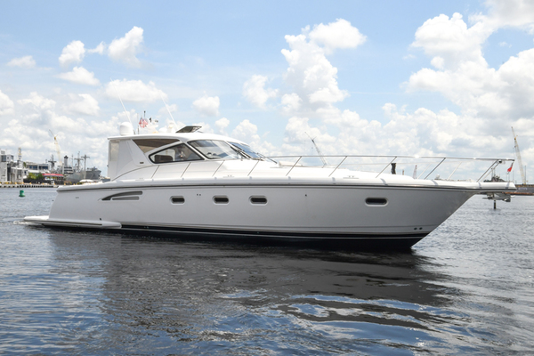 Picture Of a 2000 Tiara Yachts 52 5200 Express Cruisers