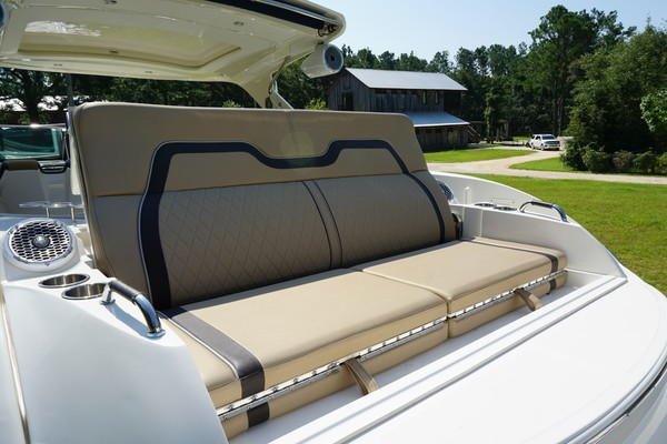 2017 35 Sea Ray 350 SLX The Angelique Aft Layout Seat (2)