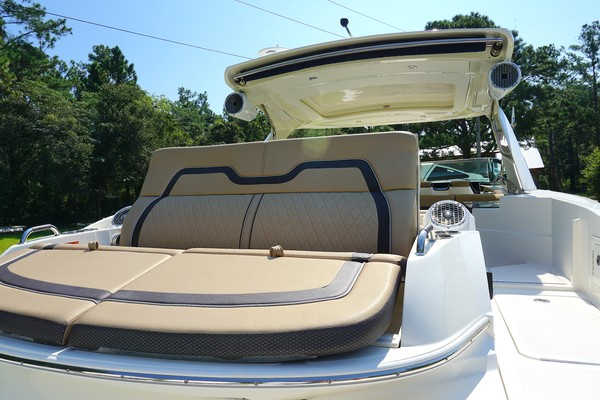 2017 35 Sea Ray 350 SLX The Angelique Aft Layout Seat (1)